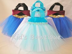Kids Bowtique has designed party favor tutu bags for a Frozen Elsa Birthday party. They are perfect as: Birthday party favor bags, princess party