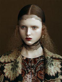 La fotografia è una delle essenze di Vogue Italia: il magazine da oltre 50 anni registra attraverso le immagini le evoluzioni e rivoluzioni del costume con