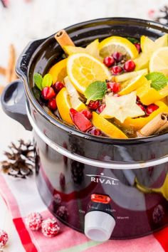 This DIY Holiday Crock Pot Potpourri will have your house smelling amazing all season long with sweet and spicy aromas of cranberries, cinnamon, and more! Stove Top Potpourri, Simmering Potpourri, Fall Potpourri, Homemade Potpourri, Potpourri Recipes, Slow Cooker Recipes, Crockpot Recipes, Pots, Pot Pourri