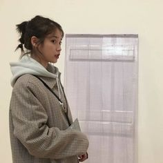 Uploaded by chloè. Find images and videos about fashion, kpop and aesthetic on We Heart It - the app to get lost in what you love. Iu Fashion, Korean Fashion, Iu Twitter, Ulzzang Girl, Korean Singer, Girl Crushes, Korean Girl, Kpop Girls, Girl Group