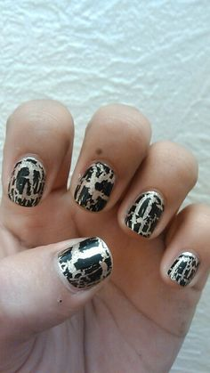 New year crackle polish