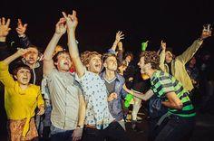 ¿Tenéis ganas de saber quienes van a ser los artistas de las Fiestas del Túnel de este año...?😏 Vamos a ir dando pistas sobre cada uno de ellos... El primero, dice inspirarse en el blues y en la música de antes de la Segunda Guerra Mundial... ¿Tienes alguna idea de quién puede ser? #fiestasdeltunel #montereylocals #salinaslocals- posted by Salinas Surf Music & Friends https://www.instagram.com/surfmusicandfriends - See more of Salinas, CA at http://salinaslocals.com