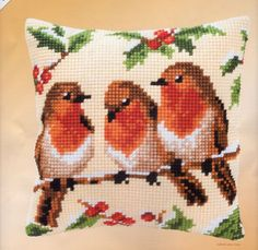 Robins Vervaco Chunky Cross Stitch Cushion Kit - for sale online Cross Stitch Cushion, Cross Stitch Bird, Cross Stitch Designs, Cross Stitch Patterns, Handmade Cushions, Diy Pillows, Make Your Own Pillow, Thick Yarn, Decorative Pillow Cases