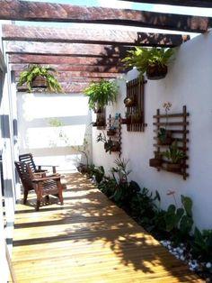 Pergolado + jardim vertical http://abr.ai/1cNmrP