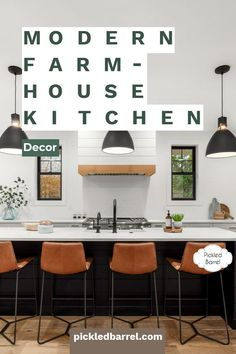 Plenty of modern farmhouse decor inspiration to help you decorate your entire farmhouse. From coastal-inspired to classic black and white, there's something for every modern farmhouse lover. #pickledbarrelblog #modernfarmhousedecor