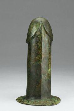 Phallus, unearthed from Tomb 1, Dayun Mountain, Xuyi, Jiangsu. Western Han period (206 BCE–9 CE), 2nd century BCE. Bronze. Nanjing Museum. Photograph © Nanjing Museum