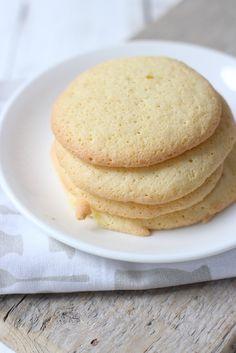 Eierkoeken Dutch Recipes, Sweet Recipes, Cake Recipes, Cooking Recipes, Sweet Bakery, Sweet Cookies, Sweet Pie, Bread Cake, Sweet Breakfast