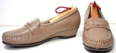 Women's SAS Tripad Taupe Leather Wedge Loafers Shoes Sz 9 W LIQ NUE  #SAS #LOAFERSWEDGES