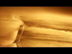 VENTOSE OPPOSTE  Anna Shalaby, Andrea Pertegato  Un video che riprende otto sfere di ghiaccio di 40 cm di diametro, riempite con del colore bianco, lasciate sciogliersi in un lago. L'inquadratura viene capovolta creando un'atmosfera sospesa e straniante, quasi queste sfere si trasformassero in pianeti con un proprio moto rotatorio e di rivoluzione. Il capovolgimento delle immagini rappresenta lo strumento che fa credere vero ciò che è solo apparente.