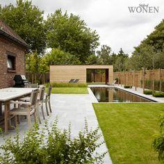 Stijlvol Wonen: het magazine voor warm-hedendaags wonen - ontwerp: Isera - fotografie: Sarah Van Hove, Dorien Ceulemans, Jonah Samyn #outdoor #terras #tuinset #zwemvijver #poolhouse