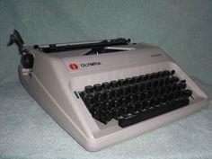 Mechanische Schreibmaschine Olympia Carina I mechanical typewriter