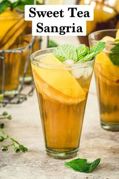 Sangria Iced Tea is a fusion of the classic Spanish fruit punch with southern sweet tea for one delicious cocktail. This beverage takes all the sangria ingredients and infuses them with sweet tea and… Vintage Cocktails, Bourbon Cocktails, Cocktail Drinks, Cocktail Recipes, Holiday Drinks, Summer Drinks, Fun Drinks, Beverages, Unique Recipes
