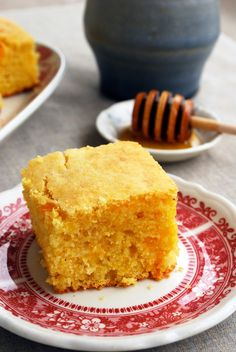 Moist and Fluffy Cornbread - Everything you've ever wanted out of cornbread in one easy recipe! // The Live-In Kitchen