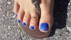 Blue sparkle  www.aroyalpampering.com