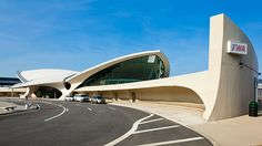 TWA Terminal, Kennedy Airport, New York, Eero Saarinen, Organic Architecture, Chinese Architecture, Futuristic Architecture, Beautiful Architecture, Interior Architecture, Neo Futurism, Bubble House, Airport Design, Colani