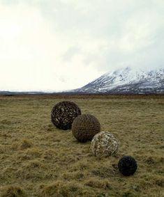 focus-damnit:  Four Spheres, Chris Drury(via Contemporary Basketry)