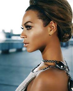 Beyoncé beautiful as can be...