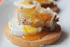 Tostas de solomillo a la sal con queso y naranja confitada