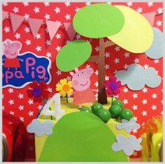 Un precioso candy display para una fiesta Peppa Pig, de Terrón de Azúcar / A lovely candy display for a Peppa Pig party, from Terrón de Azúcar