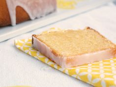 Cake au citron ultra moelleux via @https://www.pinterest.com/nathaliebakes/