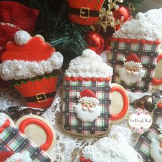 LOVE those mug cookies! Christmas Sugar Cookies, Christmas Sweets, Christmas Goodies, Holiday Cookies, Holiday Desserts, Christmas Baking, Fancy Cookies, Iced Cookies, Cute Cookies