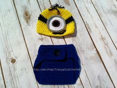 Crochet Minion inspired Photo Prop set. Minion beanie with adjustable Diaper Cover set. Minion baby set. Handmade. by TracyplusCrochet on Etsy