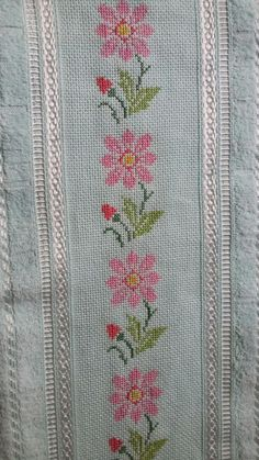 This Pin was discovered by HUZ Cross Stitch Needles, Beaded Cross Stitch, Cross Stitch Rose, Cross Stitch Borders, Cross Stitch Designs, Cross Stitching, Cross Stitch Embroidery, Cross Stitch Patterns, Crochet Patterns