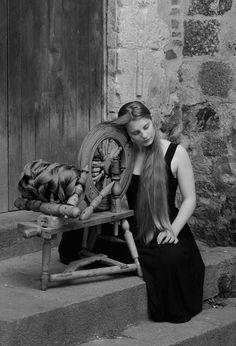 A l'avant-garde : Ines Kozic – Hairy Tales