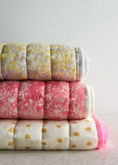 Simple Quilted Blankets Tutorial | Short on time? Then you'll love these quick and simple baby blankets!