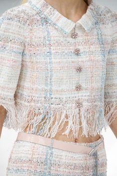 Chanel Spring 2015 Couture Fashion Show Estilo Coco Chanel, Coco Chanel Fashion, Fashion Models, Fashion Show, Fashion Outfits, Fashion Design, Fashion Weeks, Chanel Couture, Couture Fashion