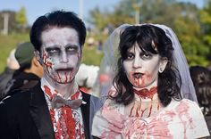 15-Best-Creative-Yet-Scary-Halloween-Costumes-2012-For-Couples-7
