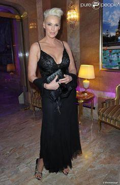 Brigitte Nielsen lors de la 36e édition du prix 'The Best', aux salon Hoches à Paris, le 11 décembre 2012