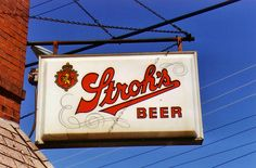 Stroh's bar sign
