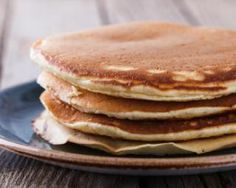 Pancakes Croq'Kilos aux flocons d'avoine pour pause coupe-faim : www.fourche… Croq'Kilos pancakes with oatmeal for appetite suppressant: www.fourchette-and … Crepes, Beignets, Bowl Cake, Oatmeal Pancakes, Savoury Cake, Sin Gluten, Clean Eating Snacks, Coco, Food Inspiration