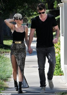 Is it weird that i love everything about this picture especially the clothes? Miley, Miley's style, and Liam. <3