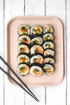 "Vegan Kimbap (gluten free, refined sugar free) | Veggiekins Blog. ""It looks like sushi at first glance, but the ingredients and the flavour are distinctly different. Kimbap fillings are usually cooked and seasoned veggies, never raw fish. Although the standard traditional kimbap is not vegan (as it contains egg and imitation crab stick, or beef), it can easily be made vegan."" #kimbap #vegan #sesameoil #toasted #Maruhon Korean Dishes, Korean Food, Gimbap Recipe, Vegan Egg Substitute, Sauteed Carrots, Kimbap, Crab Stick, Asian Recipes, Ethnic Recipes"