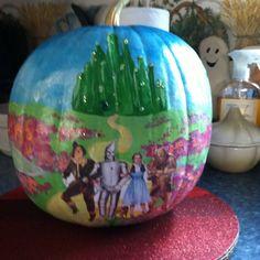 Wizard of oz painted pumpkin 2011 Halloween Pumpkins, Fall Halloween, Halloween Crafts, Happy Halloween, Halloween Decorations, Pumpkin Contest, Land Of Oz, Broadway, Yellow Brick Road