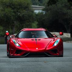 "4,626 curtidas, 27 comentários - Cars247 (@cars247) no Instagram: ""Regera A fresh look at Koenigsegg in 2017. Link in BIO #cars247 #koenigsegg #regera ----…"""