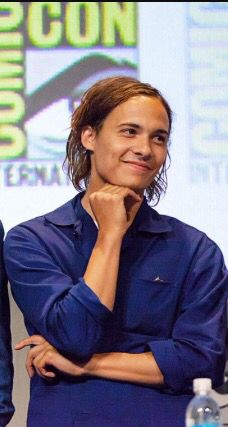 Absolutely adore this picture of Frank Dillane