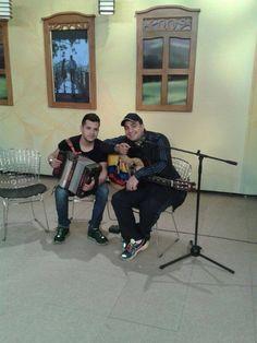 El cantante #PipePelaez promocionando su álbum #TiempoPerfecto