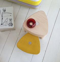 Plektra Q&A: Nederlandse designer Ineke Hans over Iittala en de rol van social design - Roomed Social Design, Sunglasses Case, Phone, Telephone, Mobile Phones