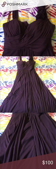 🌸OFFERS WELCOME🌸 Gorgeous formal dress Beautiful purple dress. Worn once as a bridesmaid dress. Perfect condition. Size large Dresses Prom