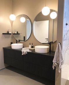 30 Quick and Easy Bathroom Decorating Ideas Funky House, Bathroom Goals, Bathroom Ideas, Dere, Interior Decorating, Interior Design, Decorating Ideas, Cozy Room, Dream Bathrooms