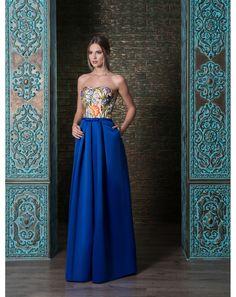 fd1d6d49da4d Elegantné romantické spoločenské šaty so sukňou s vreckami z mäkkučkého  saténu. Zvršok je zdobený kvetovanou