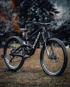 Vtt Dirt, Montain Bike, Electric Mountain Bike, Downhill Bike, Cafe Racer Bikes, Fat Bike, Road Bikes, Bike Design, Bmx