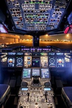 Lufthansa Technik — Dear A 380 flight deck Commercial Plane, Commercial Aircraft, Airbus A380 Cockpit, Boeing 777, Flight Simulator Cockpit, Photo Avion, Airplane Wallpaper, Airplane Photography, Civil Aviation