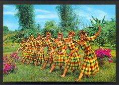 Itik-Itik Dance : Includes choppy steps similar to ducks.