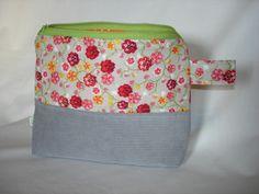 Frühlingstasche von *Pretty by Reni* auf DaWanda.com Süsse Kosmetiktasche für kleine Dinge der Frauen und Mädchen.