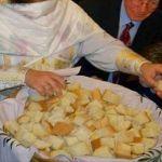 ΑΛΗΘΙΝΗ ΙΣΤΟΡΙΑ : Το ξερό αντίδωρο – Μία αληθινά συγκλονιστική ιστορία!!! Orthodox Christianity, Christian Faith, Holidays And Events, Communion, Religion, Food, Attitude, Prayers, Essen