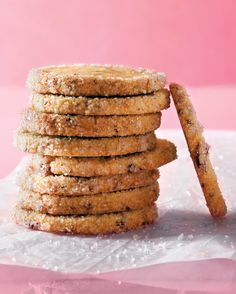 Icebox cookies are indispensable for busy bakers: Keep a ready supply of dough on hand for instant sweet gratification. Choose from 27 favorite recipes, including basic sugar cookies, chocolate wafers, orange-ginger rounds, and cranberry Noels.
